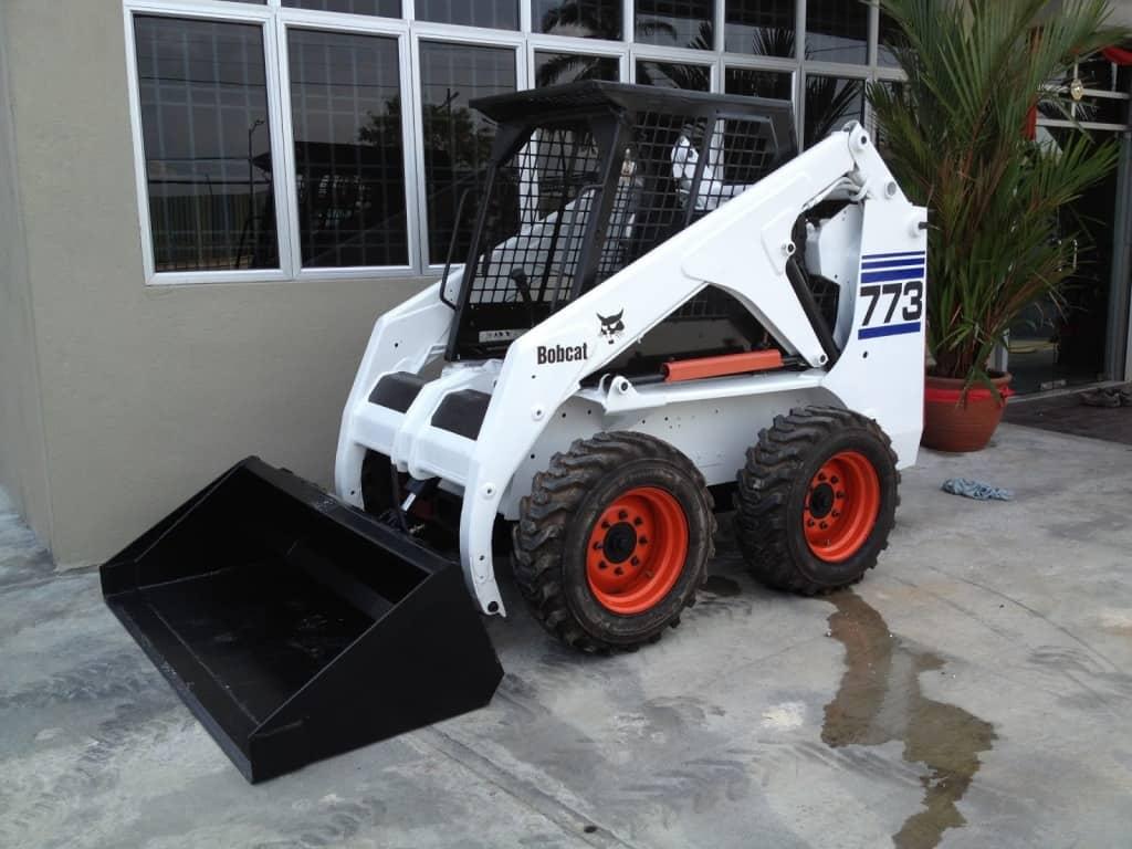 Skid Steer Tools : Bobcat skid steer all seasons rent